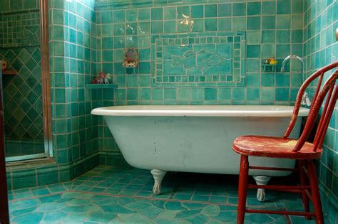Bathrooms That Beat The Winter Blues With A Splash Of