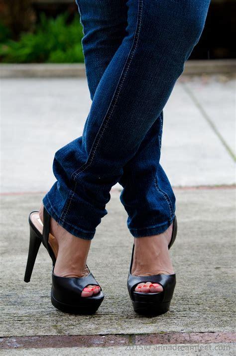 Demo0001 2000×3020 Pixel Heels And Feet In Jeans