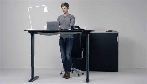 bureau ajustable bureau adaptés bureau variable en hauteur