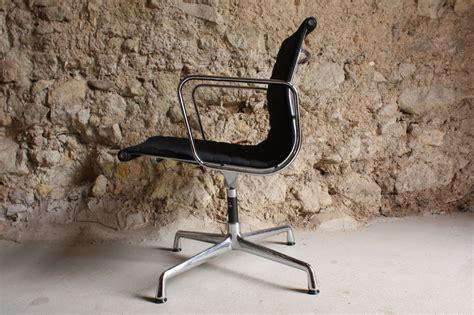 eames herman miller vitra aluminium chair ea 107 1 v 1