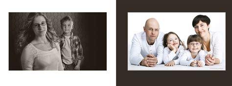 ideen für familienfotos familienfotos haben tradition fotoshooting mit familie fotostudio lichtecht annaberg