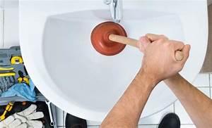 Déboucher Les Toilettes : comment d boucher les canalisations des toilettes ~ Melissatoandfro.com Idées de Décoration