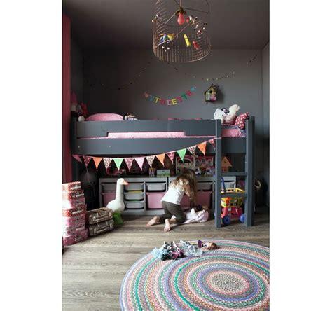 chambre gris foncé inspiration déco chambre bébé