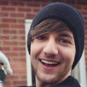RobertIDK - Bio, Facts, Family | Famous Birthdays