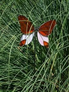 Deko Schmetterlinge Groß : gartenstecker mit schmetterlingsmotiv das gewisse etwas als farbtupfer im garten ~ Yasmunasinghe.com Haus und Dekorationen