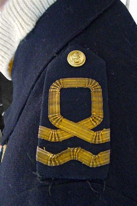 battle dress uniform   lieutenant   rnvr faa