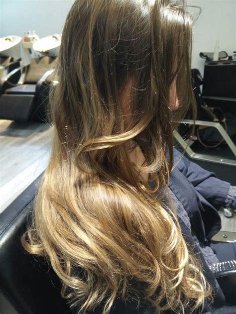 balayage dorado irisado tintes en  cabello rubio