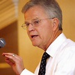 Presidential long shot Buddy Roemer rolls with the punches ...