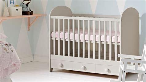 ikea chambre bebe enfant lit evolutif linge de lit