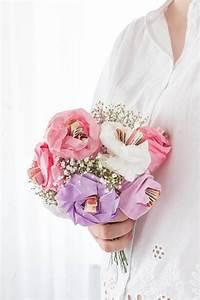Geldgeschenke Verpacken Hochzeit : geldgeschenk zur hochzeit blumen aus papier basteln ars textura ~ Eleganceandgraceweddings.com Haus und Dekorationen