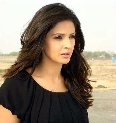 Pakistani Celebrities Pakistani Actress Saba Qamar Pictures