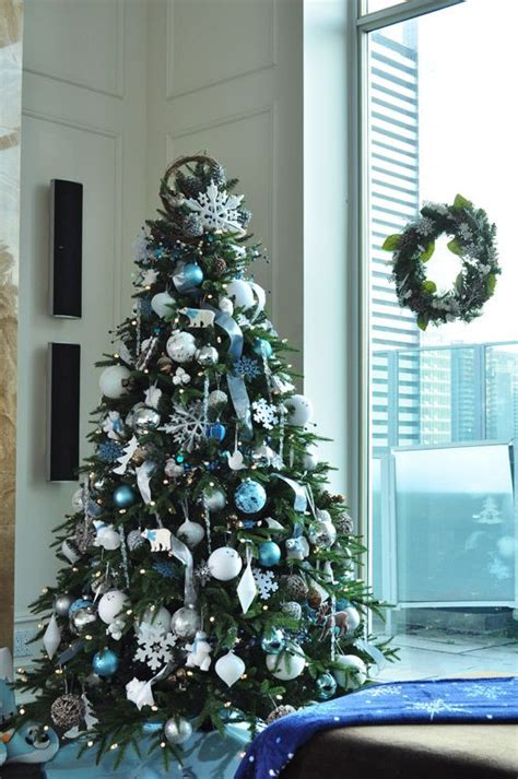 christmas tree colors ideas 35 silver and blue d 233 cor ideas for christmas and new year digsdigs