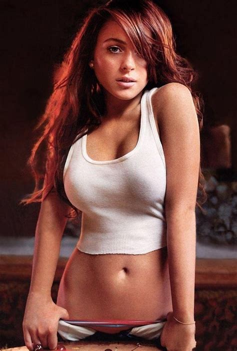 Lindsay Lohan Weight Height Body Measurement, Bra Size ...