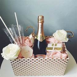 wedding gift idea 25 best ideas about engagement gifts on engagement gifts gifts and