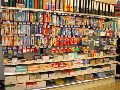 magasins fournitures de bureau fourniture scolaire autre lieux centre commercial