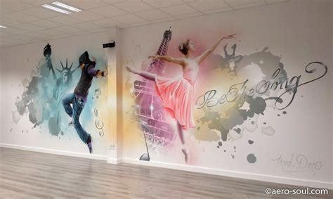 chambre peinte décoration graffiti sur le thème de la danse hip hop et