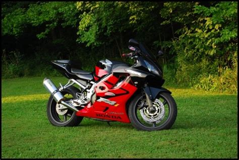 2004 Honda Cbr F4i $5,000 Possible Trade 100403372