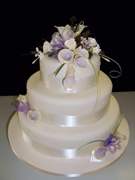 wedding cake ornament wedding pictures wedding photos wedding cake decorating pictures ideas