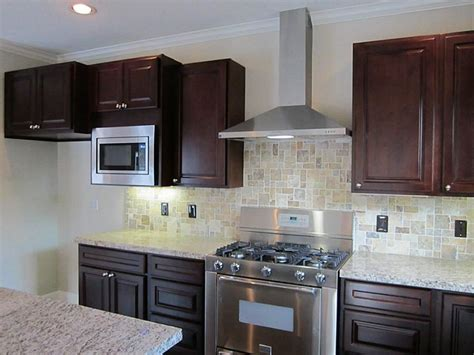 statment granite  kitchen chimney hood style