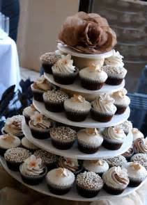 wedding cake and cupcakes the cheapskate cake professional style cakes for pinchers