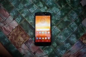 Moto E5 Play Review