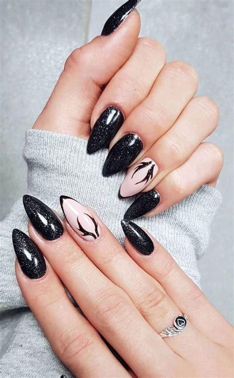 Nail art paillettes et vernis très simple