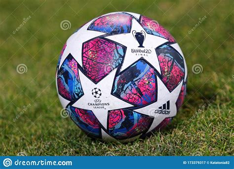 Псж истанбул лига чемпионов 2020 обзор матчей футбол psg istanbul champions league 2020 football. Official Match Ball Of UEFA Champions League 2020 Istanbul Final Editorial Photography - Image ...