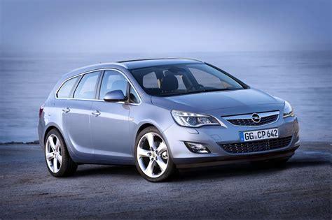 Opel Astra Sport Tourer by Opel Astra Sport Tourer Foto Ufficiali Della Nuova Wagon