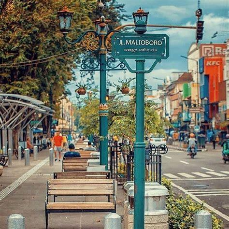 jalan malioboro jogja sensasi wisata kota  khas
