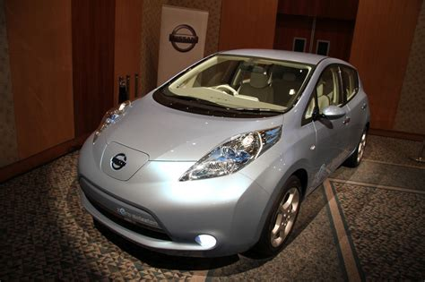 100 Percent Electric Cars by Nissan Leaf 100 Electric Car Zero Emissions Photos 1