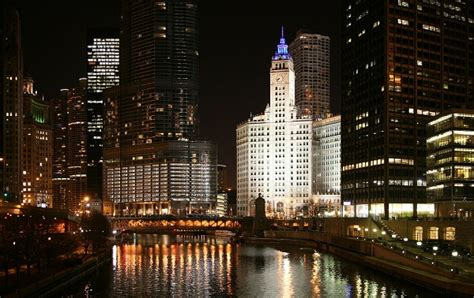 Night Boat Cruise In Chicago by Fireworks Cruises Chicago Sailboat Charterspower Boat