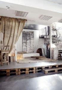estrade pour chambre estrade en palette pour chambre table de lit