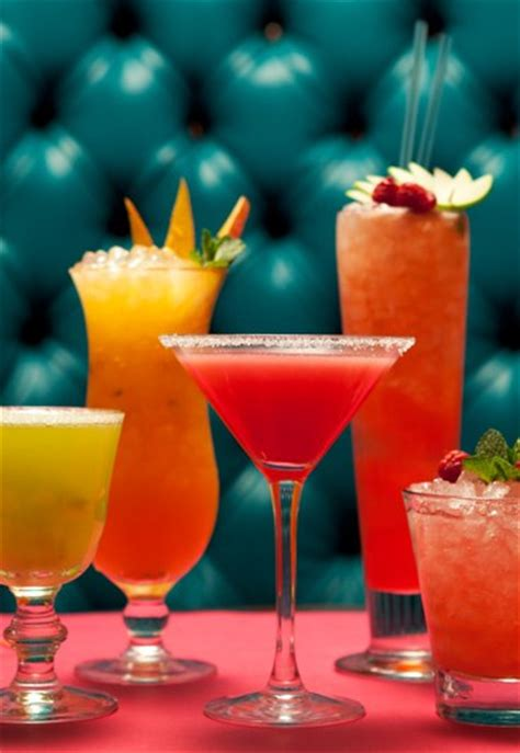 fruity martini recipes the best alcoholic fruit cocktail drink recipes ever sofeminine