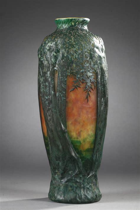 daum vase souffle  decor darbres galerie tourbillon