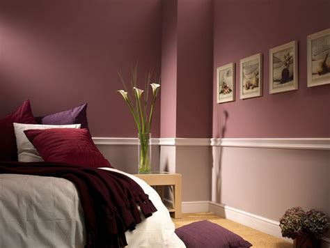 deko ideen schlafzimmer altrosa wand halbhoch streichen und mit stuckleisten in zwei