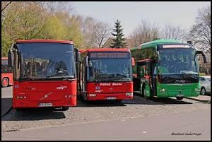 Bus Berlin Kassel : kleine bus gesellschaft in pausenstellung heute am fernreise bahnsteig neben dem bahnhof ~ Markanthonyermac.com Haus und Dekorationen