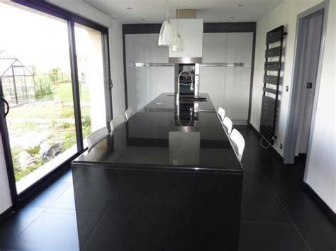 boutons et poignees meubles cuisine meuble cuisine noir laqu trendy meuble cuisine marron