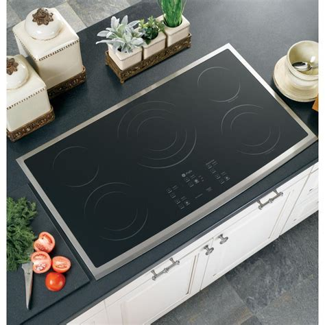 """GE PP975SMSS 36"""" Smoothtop Electric Cooktop with 5 Ribbon"""