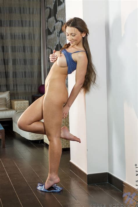 Featuring Nubiles Julie Skyhigh In Hot Girl
