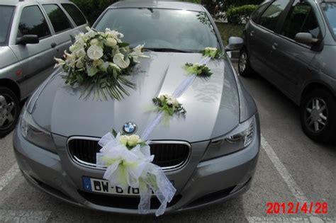 decoration mariage bapteme etc voiture mariee coloris vert anis et blanc bouquet de la