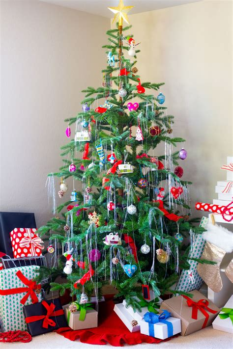 retro christmas trees part 2 how to decorate your christmas tree with ornaments and trimmings discover