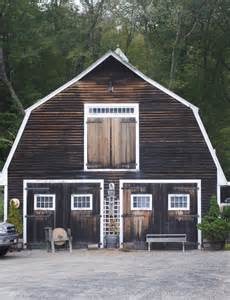Brown with White Trim Barn