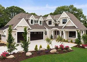 Beautiful, Cottage, Style, Home, In, The, Midwest, Nestled, On, A, Woodsy, Property