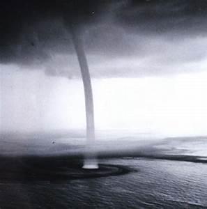 Electromagnetic Waterspouts  Electric Plasma Tornado U0026 39 S