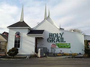 Outside view Picture of The Holy Grail Food & Spirits