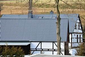 Tipps Zur Badrenovierung : dachsanierung tipps zur sanierung mit metalldachsystemen ~ Markanthonyermac.com Haus und Dekorationen