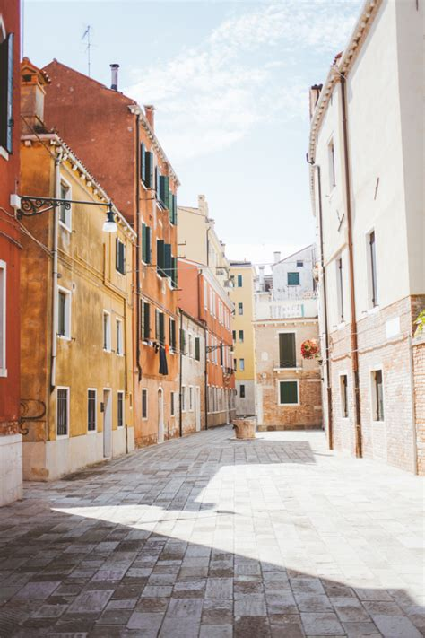 colorful streets  venice italy entouriste