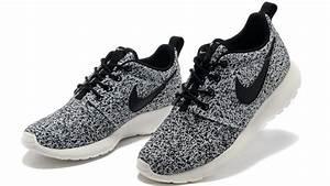 Nike Women's Roshe Run Floral Pack Black Sail (511882-003 ...