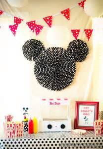 Mickey Mouse Bathroom Decor by Decora 231 227 O De Parede Da Festa Do Mickey Festa Infantil
