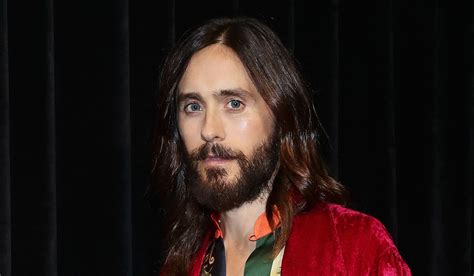 jared leto bares  abs  sexy holiday selfie jared